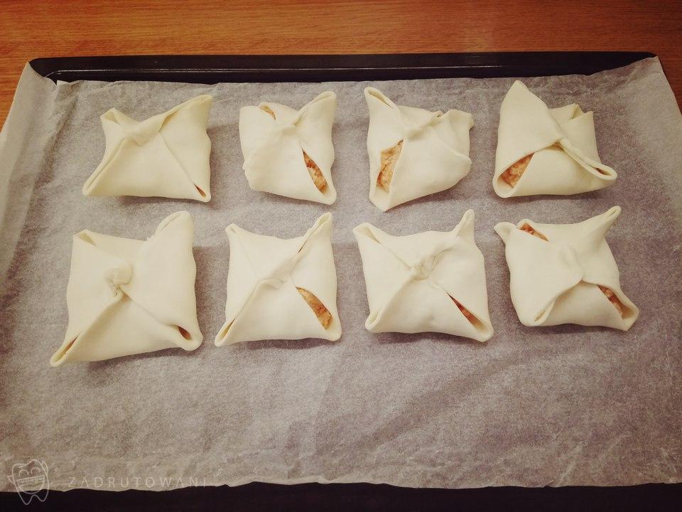 Ciasteczka rosołowe gotowe do pieczenia.
